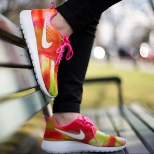 Nike roshe bright multicolored mesh running shoes